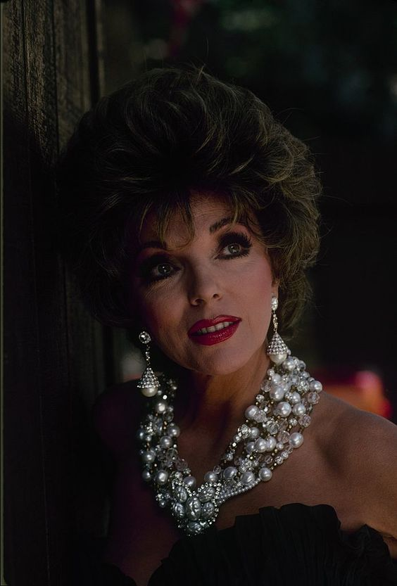 """DYNASTY - """"The Roadhouse"""" - Airdate on December 18, 1985. (Photo by ABC Photo Archives/ABC via Getty Images) JOAN COLLINS"""